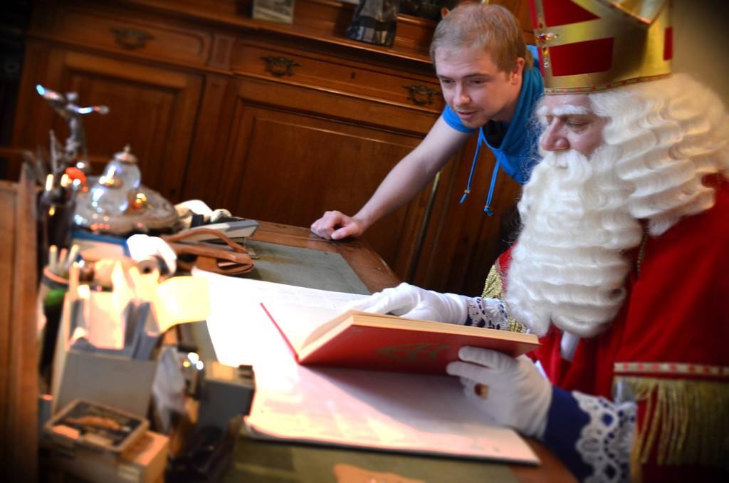Samen met Sinterklaas eventjes het script doornemen ;)